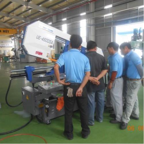 Bàn giao và nghiệp thu máy cưa vòng UE-460DSA