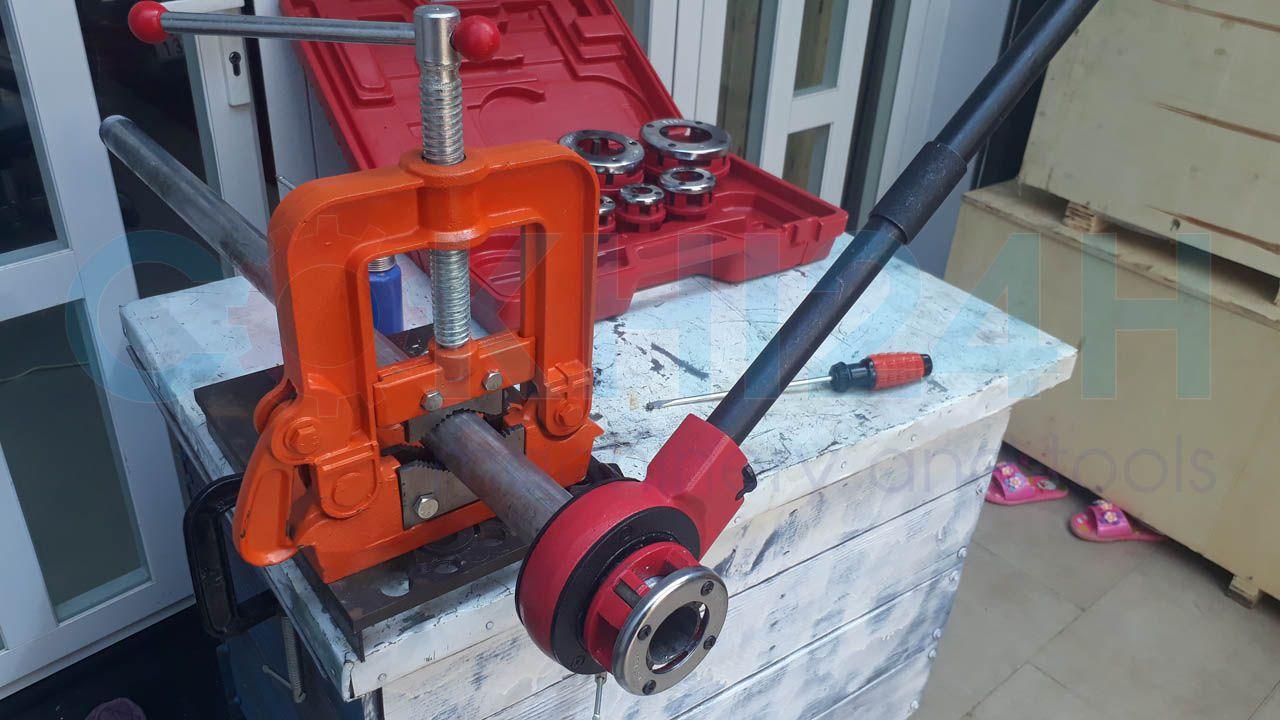 Bộ tiện ren ống bằng tay Shida SD705